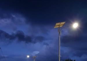 Ada Lampu Tenaga Surya, Warga di Papua Tak Khawatir Jalan Malam